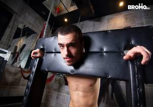 Ryan Bones, Sean Peek – Trained and Drained (Bareback)