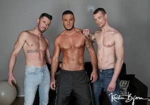 Triple Pleasure : Marcos Oliveira, Klein Kerr, Brad Hern (Bareback)