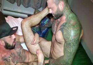 Romeo Davis – My Trainer Markus Kage Fucked me (Bareback)