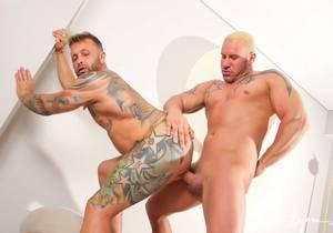 Loving Men : Jony Blond, Frank Valencia (Bareback)