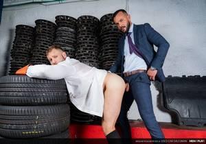 Diego Reyes, Sir Peter «Used Car Salesman» (Bareback)