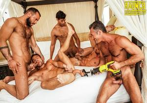 Allen King, Valentin Amour, And -Drilling (Bareback)